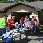 Folks enjoying the Garage Sale last weekend at the Siebert residence.