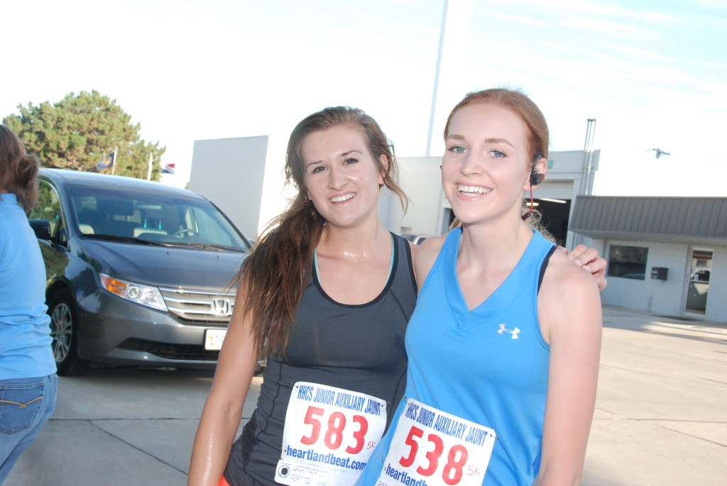 Cousins Taylor Quiring and Brittany Quiring finished 2nd and 3rd in the girls 16-19 year olds 5K.